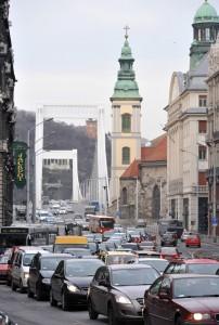 Változik a közlekedési rend a Ferenciek terén