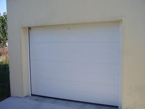 A garázskapu minőségi alapanyagokból