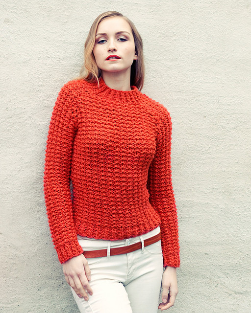 A női pulóver kényelmes ugyanakkor csinos is
