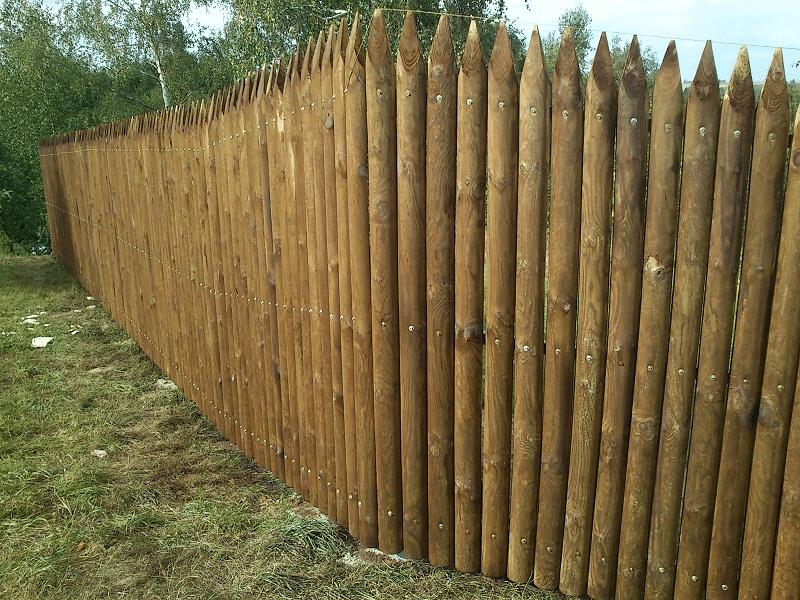 fa kerítésoszlop